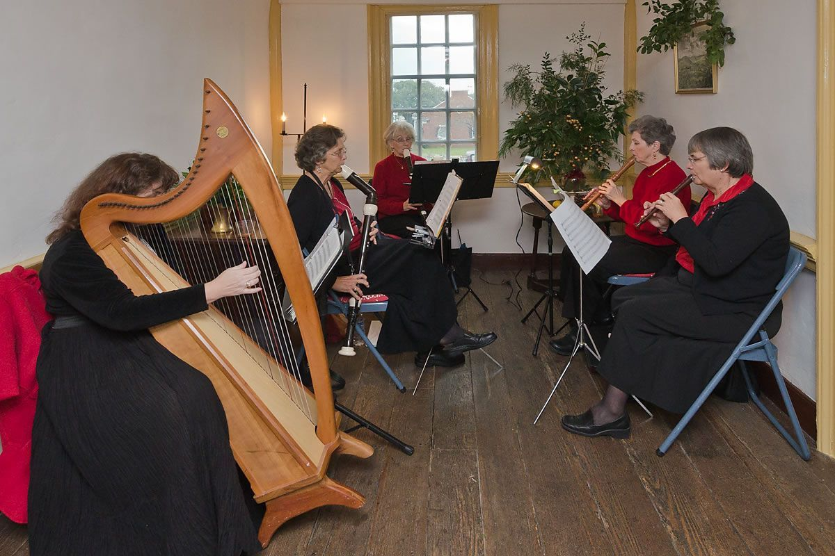 Renaissance Consort entertains at the Cupola House, Edenton, North Carolina (Photo by Kip Shaw)