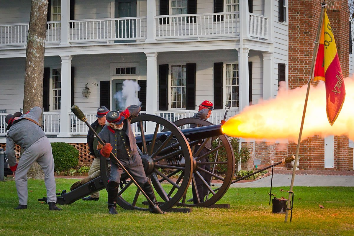 Bell Battery re-enactment on the Courthouse green, Edenton, North Carolina (Photo by Kip Shaw)