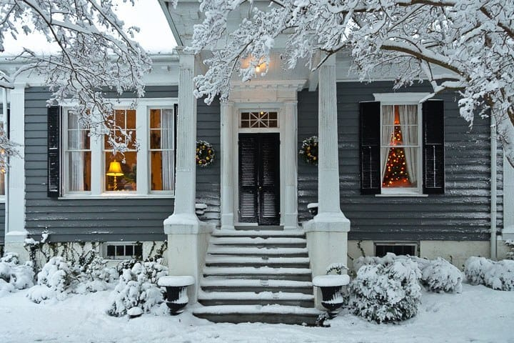 Snow at Christmastime, Edenton, North Carolina (Photo by Kip Shaw)