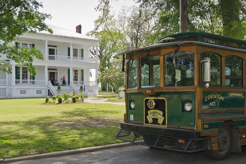 Edenton Trolley at Pembroke Hall
